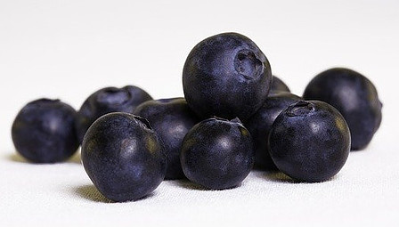 blueberries fruits-based with polyphenols